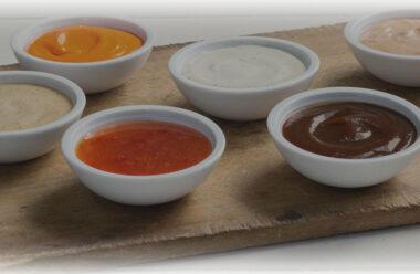 5 вишуканих рецептів домашніх соусів, які в рази смачніші ніж майонез і кетчуп.